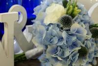 Bukiet ślubny z niebieską hortensją
