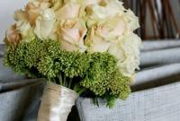 Bukiet ślubny z róży.